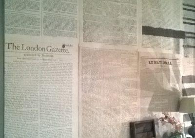 Parete giornali antichi da FORMA design makers a Chiavari (12)